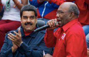 """""""La partida física del profesor Aristóbulo Istúriz es un gran golpe"""", lamentó Maduro"""