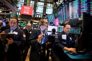 Wall Street abre mixto y el Dow Jones supera los 35 mil puntos