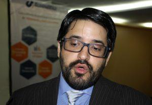 Asdrúbal Oliveros: Con hiperinflación cualquier aumento de salario se va a diluir
