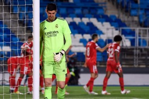El Real Madrid rescata un punto ante el Sevilla y mantiene la pelea por LaLiga