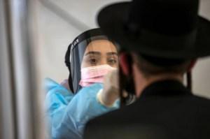 Qué dicen los expertos sobre el rebrote en Israel, el país más vacunado del mundo contra el Covid-19