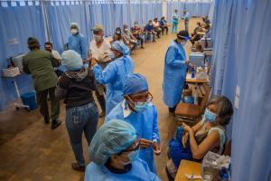 El coronavirus en Venezuela queda a sus anchas ante las fallas en el plan de vacunación