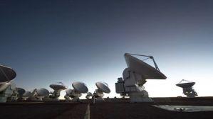 """Astrónomos detectan un """"disco lunar"""" que ayudará a estudiar la formación de lunas y planetas"""