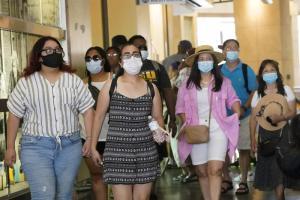 EEUU se plantea volver a pedir a los vacunados que usen mascarilla