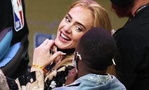 Parece otra persona: Adele reapareció en público con un radical cambio en su rostro