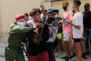 Dictadura cubana puso bajo arresto domiciliario a varias personas tras protestas