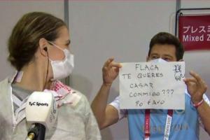 ¡Olimpiadas del amor! Le propusieron matrimonio a esgrimista Belén Pérez en plena entrevista (VIDEO)