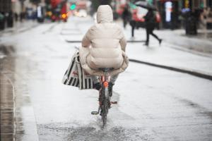 Lluvias torrenciales inundan sectores de Londres y el sur de Inglaterra