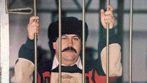 Una pared de yeso y una patada certera: Increíble fuga en prisión de Pablo Escobar