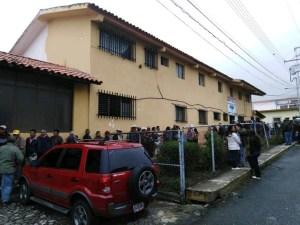 Con apenas tres médicos funciona el Hospital de Pueblo Llano en Mérida