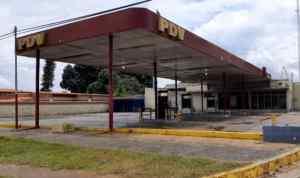 Usuarios reportan disminución en la distribución de combustible en el sur de Anzoátegui