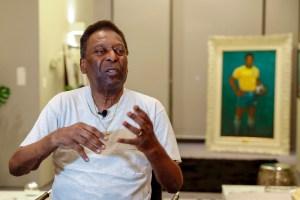 """Pelé reapareció en su cumpleaños y aseguró que cada vez está """"más joven"""" (VIDEO)"""