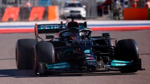 Lewis Hamilton mostró cómo se recupera del choque con Verstappen (Foto)