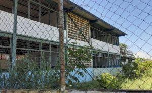 Sin alumnos y sin maestros se está quedando la escuela Luis Machado Cisneros en Aragua (FOTOS)