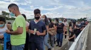 Por fin abrieron paso peatonal por el puente internacional Simón Bolívar, fronterizo con Colombia (Imágenes)