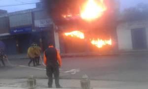 Reportan gran incendio en la avenida Bolívar de Ocumare del Tuy #22Oct (IMÁGENES)