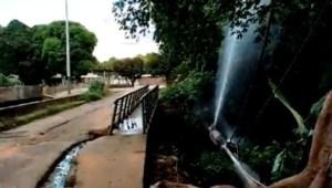 En Ciudad Bolívar se pierden miles de litros de agua, mientras algunos sectores están secos (FOTO)