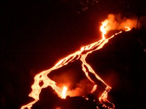A más de un mes de la erupción del volcán, La Palma registró 79 terremotos en las primeras horas de este #24Oct
