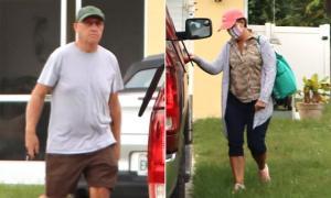 Padres de Brian Laundrie abandonan la casa por primera vez desde que hallaron su cuerpo