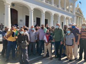 Jubilados de PoliZulia rechazan la incompetencia de la gobernación y exigen reactivación de seguros