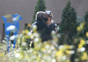 Un abatido Alec Baldwin fue visto en un hotel en Nuevo México luego del incidente en el set (FOTOS)