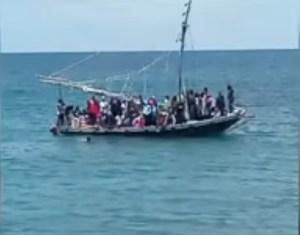 Detienen a varios haitianos tras desembarcar en una playa de Florida