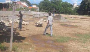 Vecinos de Los Corales denuncian que grupos chavistas invaden terrenos y áreas verdes con el apoyo de las autoridades de Vargas